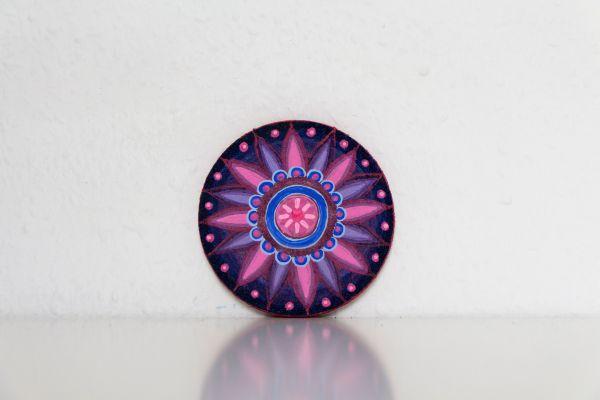 Kork-Untersetzer im Mandala-Stil in Blau-Pink von FitzeFatze Design