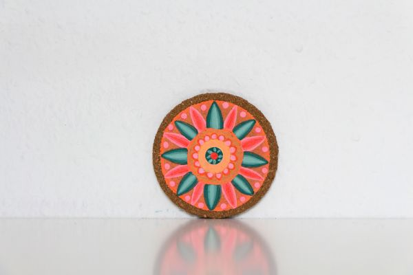 Kork-Untersetzer im Mandala-Stil in Pfirsisch-Grün von FitzeFatze Design
