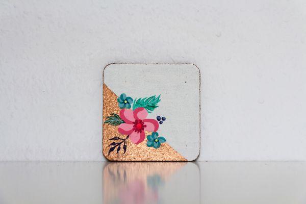 Untesetzer aus Kork mit Blumenmuster im Vintage-Look von FitzeFatze Design